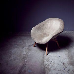 Czy krzesło z podłokietnikami to dobry wybór?